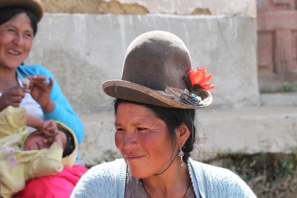 Femme filant de la laine, Bolivie