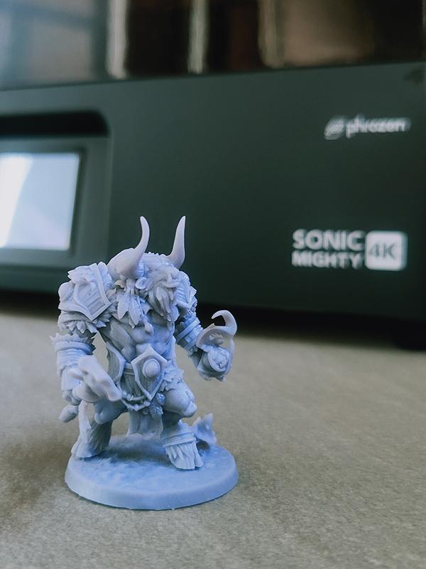 Miniatura de personagem com 35mm de altura rico em detalhes