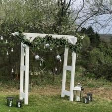 White Arch + Garland