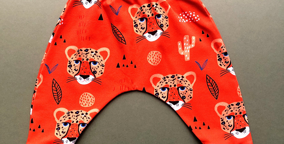 Leggings Rust Cheetah with Piercing Blue eyes on Rust Jersey