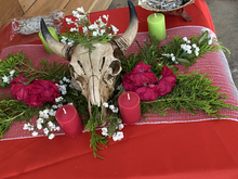 Customize your event with your choice of decorations.