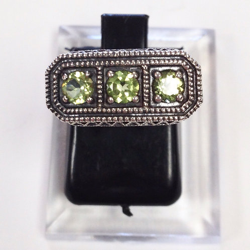 Size 6 • Peridot & Sterling Silver Ring