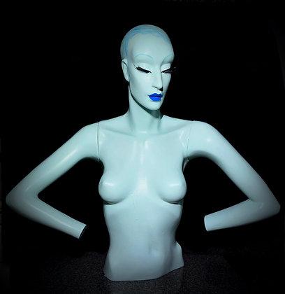 ~Alien~ by Gemini Mannequins