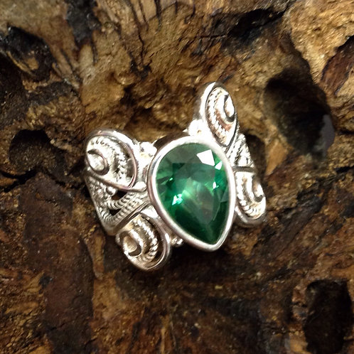 Size 8 • Green Quartz + Sterling Silver Ring