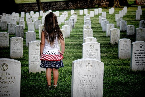 cemetery-2093999__340.jpg