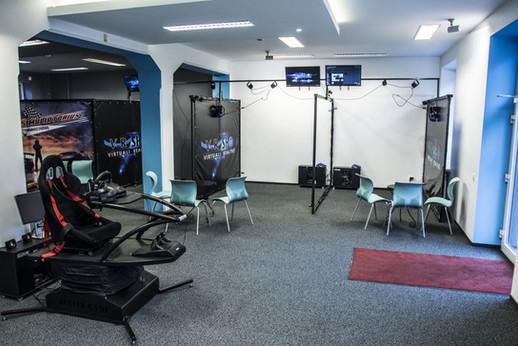 V-R Shop žaidimų salė (1)