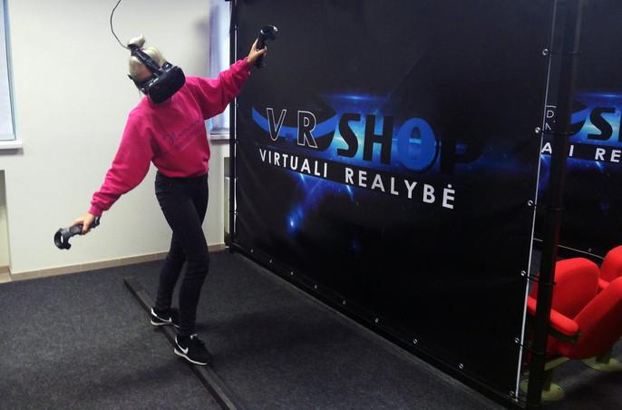 """VR žaidimas """"Plank experience"""""""