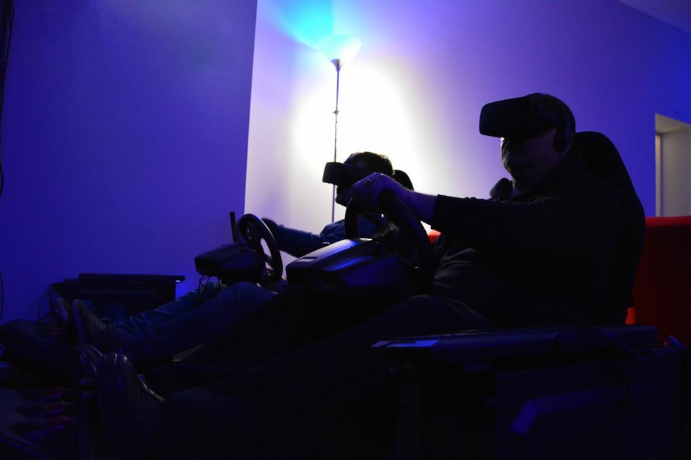 Stacionarūs vairavimo simuliatoriai