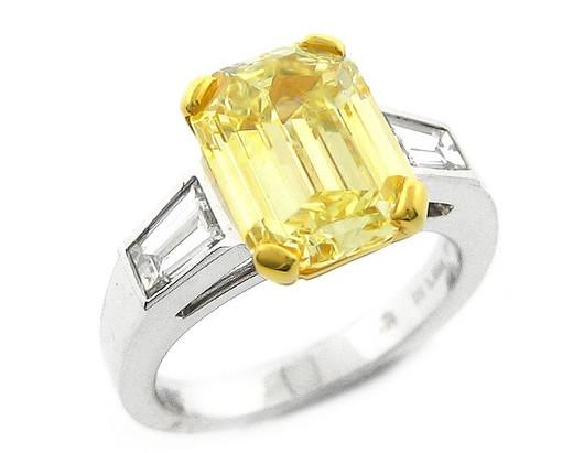 Fancy Emerald Platinum Ring