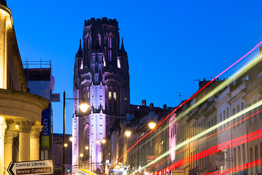 Image of Wills Memorial Building taken at dusk