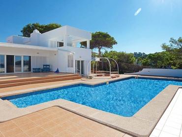 Spain: Frontline Villa with Sea Access in Santa Ponsa, Mallorca