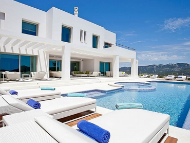 Spain: State-of-the-art Mansion with Majestic Views