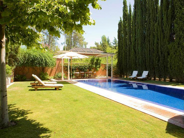 Spain: Magnificent Villa in Puerta de Hierro, Madrid