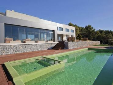 Spain: Grand Villa in Costa D'en Blanes, Mallorca