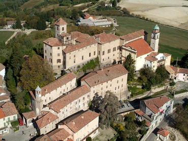Visit one of Italy's most beautiful castles today: Castle Piedmont