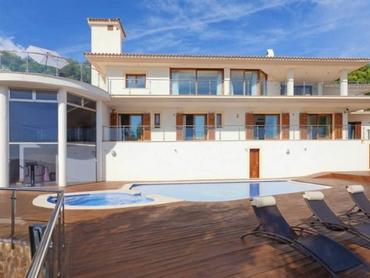 Spain: Villa Offering Glorious Sea Views in Son Vida, Palma, Mallorca