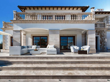 Spain: Perfectly Grand Country Villa in Alcudia Bay