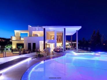 Spain: Designer Villa Built Within La Alqueria urbanisation in the Stunning Hills of Benahavis