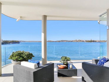 Australia: Extravagant Waterfront Apartment Located in 9B Baden Road, Sydney, New South Wales