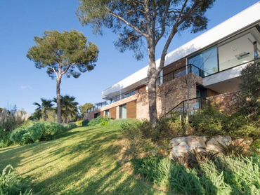 Spain: Brand New Excellent Villa with Walking Distance to Romantic Beaches in Santa Ponsa, Mallorca