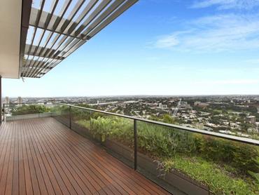 Australia: Flawless Luxurious Sub-Penthouse Apartment in 3107/1 Carlton Street, Sydney, New South Wa
