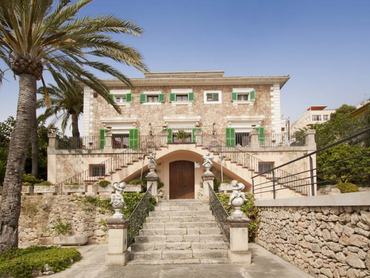 Spain: Grand Mansion Overlooking The Bay of Palma, Mallorca