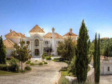 Spain: Impressive and Elegant Villa in La Zagaleta