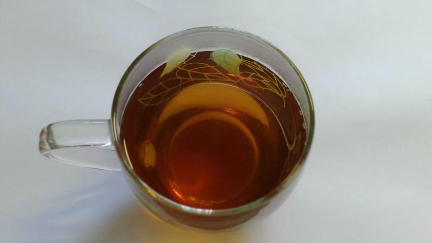 急須から注いだ『碁石茶』