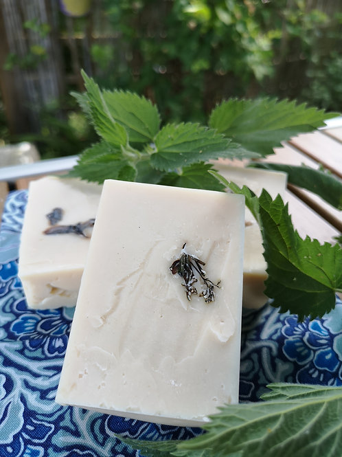 Herbal soap - nettle, peppermint & macadamia nut oil