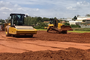 HRF Madagascar : Location compacteur et bulldozer (Bull) à Antananarivo (Tana) , MADAGASCAR.