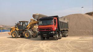 HRF Madagascar : Location camion benne à Antananarivo (Tana) , MADAGASCAR.
