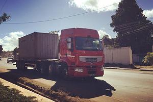 HRF Madagascar : Transport de container à Antananarivo (Tana) , MADAGASCAR.