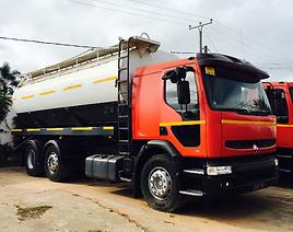 HRF Madagascar : Location camion citerne à eau RENAULT PREMIUM à Madagascar, Antananarivo (Tana) . Livraison eau potable et eau de riviére .