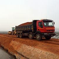 HRF Madagascar : Location compacteur et camion benne à Antananarivo (Tana) , MADAGASCAR.