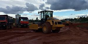 HRF Madagascar : Location compacteur, bulldozer (bull) et camion benne à Antananarivo (Tana) , MADAGASCAR.