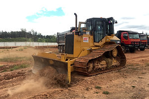 HRF Madagascar : Location de Bulldozer à Antananarivo (Tana) , MADAGASCAR.