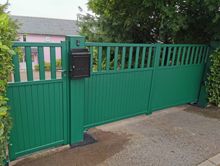 ALUMINIUM, DOUBLE LEAF, AUTOMATIC SWING GATES WITH MATCHING PEDESTRIAN GATE. DESIGN, SUPPL