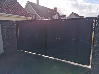 Double leaf swing gate installation with