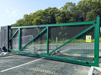 Automatic cantilever sliding gate installation on the heads of the valleys.