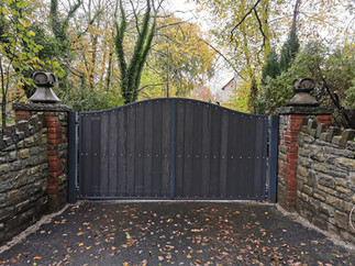 Automatic double leaf swing gate installation