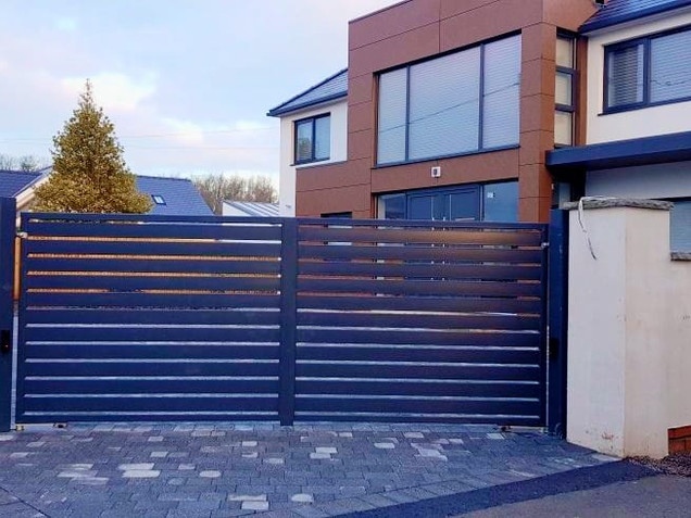 Double leaf automatic swing gate system,