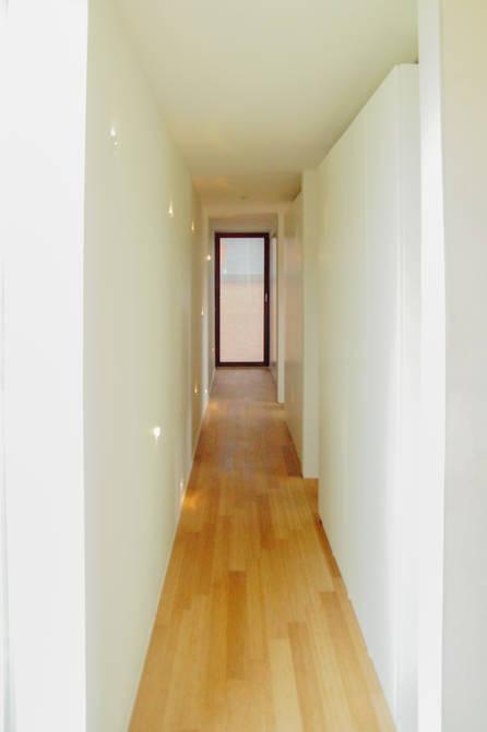 passieve woning passief huis thermowood eternit houten ramen oversteek zonwering