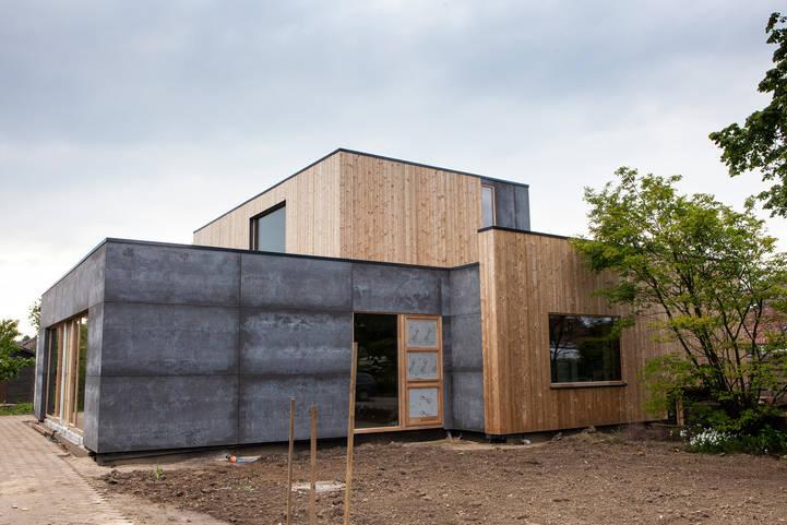 Ingrijpende energetische renovatie viroc thermowood houten ramen overdekt terras split level