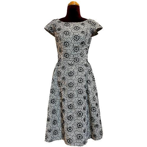 キャップスリーブドレス