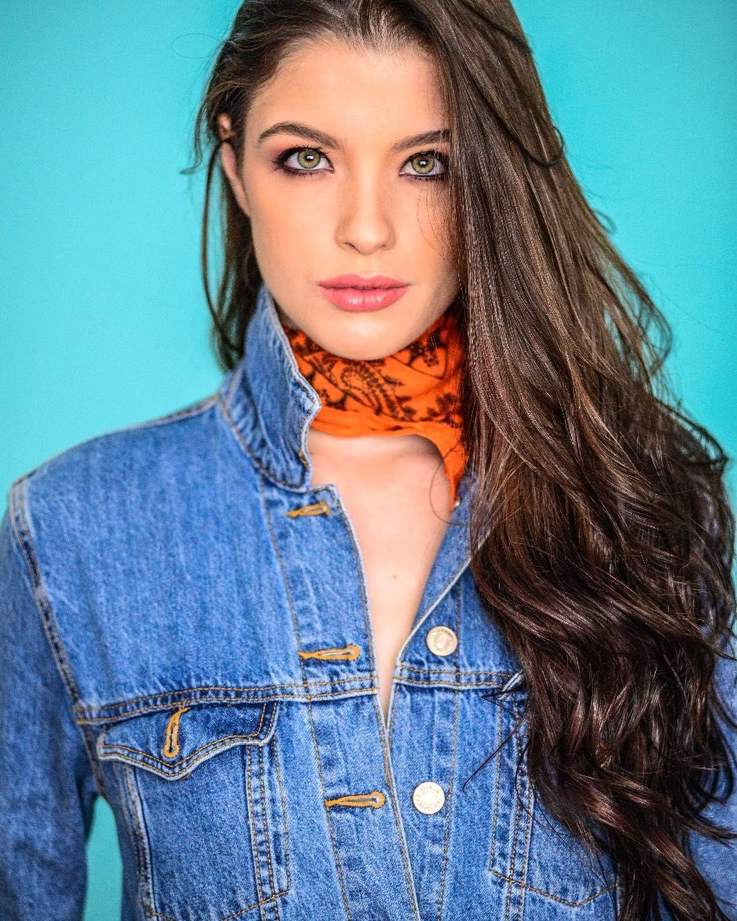 Nathália Vicente