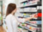 Ragazza in Farmacia