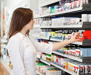 Dívka v lékárně