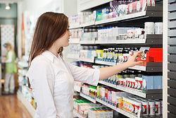 Chica en Farmacia