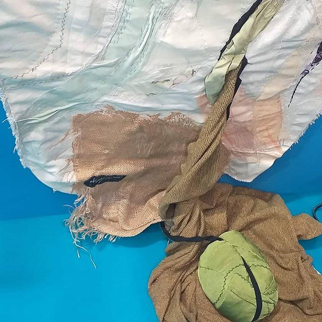 ANNA TAMBORINI, particolare, Germinazione, 2012 Pannello  lino e canapa con tessuto  in applicazione e ricamo a macchina cm. 90 x 290