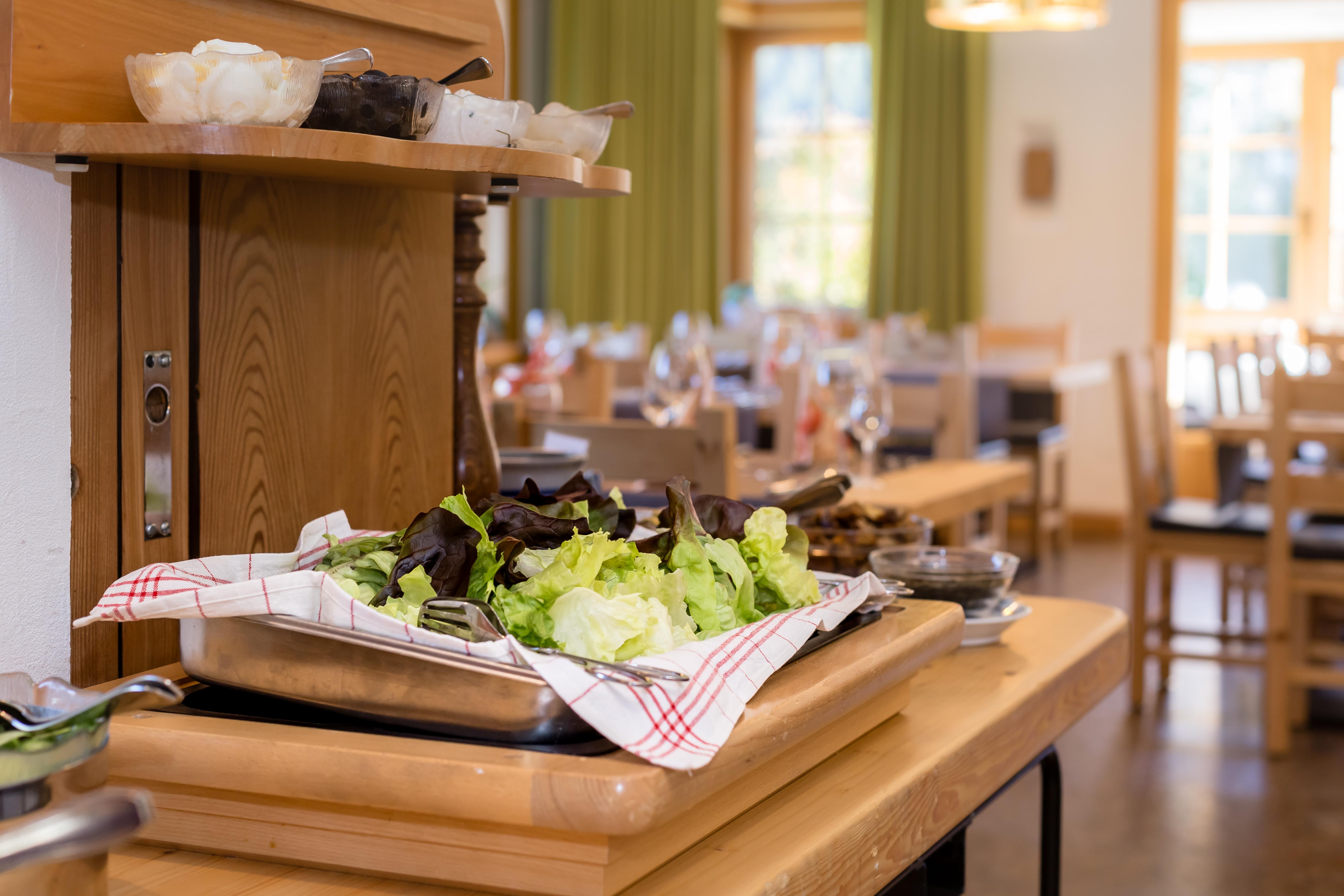 Hotel_Helvetia_Müstair_Salatbuffet